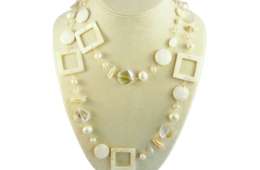 Blanc Necklace