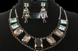 Black Waters Necklace Set